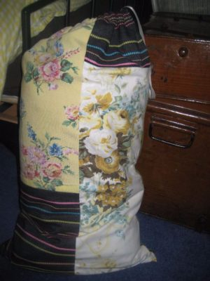 useful quilt bag made from leftover quilt scraps