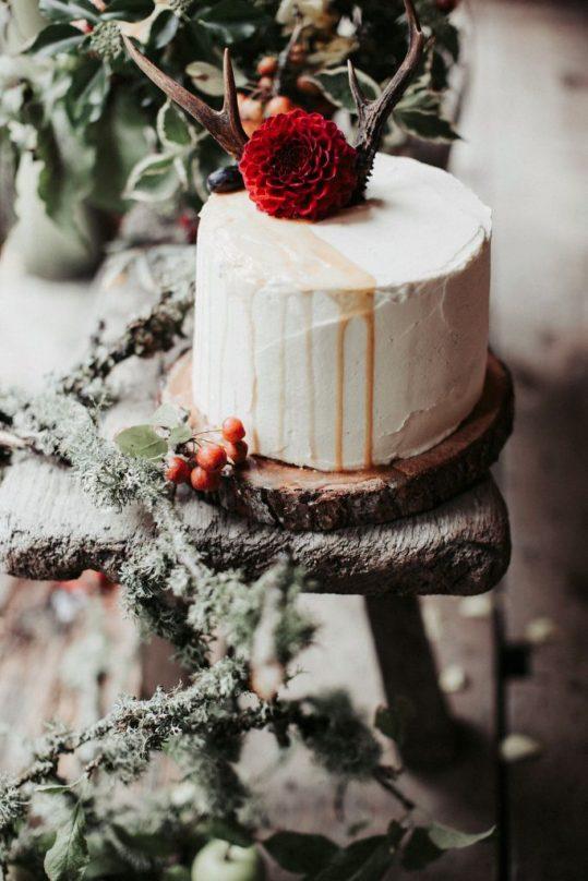 Cake www.elderberrybakes.co.uk Instagram elderberrybakery